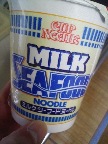日清カップヌードル シーフードミルク