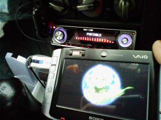 VAIO-Uをカーステレオに繋ぐ